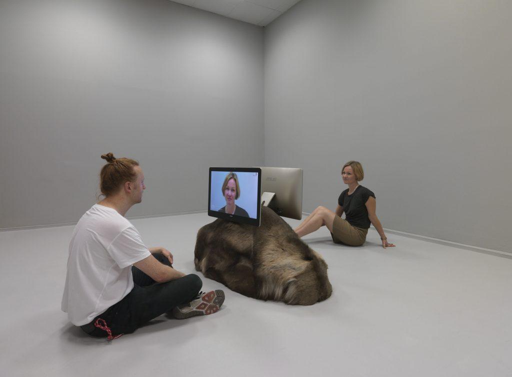 Natascha Süder Happelmann, onco-mickey-catch, 2016, Installationsansicht Neuer Berliner Kunstverein, 2016, Foto (C)Jens Ziehe