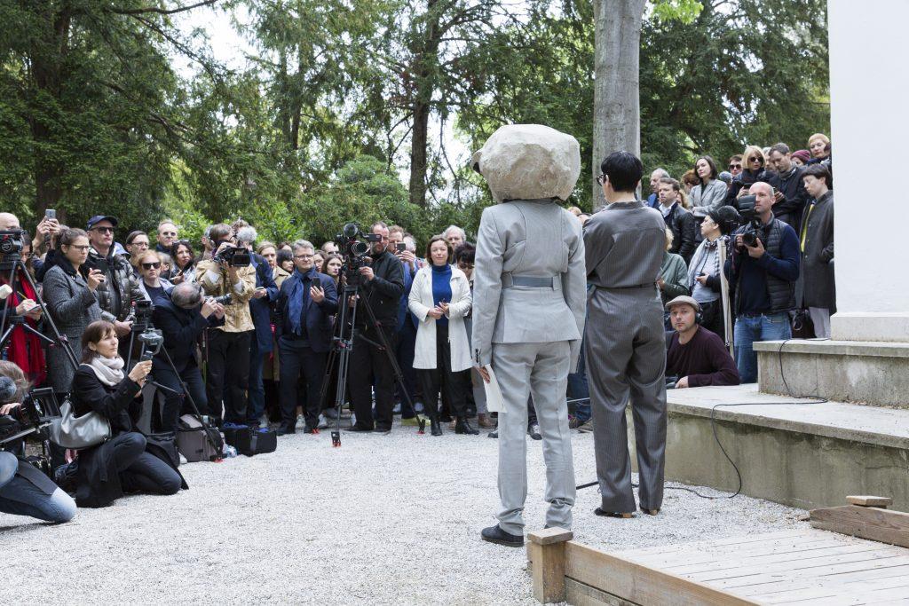 Natascha_Sueder_Happelmann_03_Irregular_Ceremony_German_Pavilion_2019_Photo_Jasper Kettner